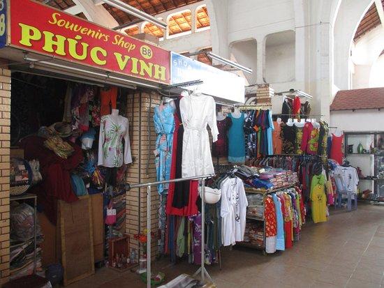 Cantho Market: Photo prise par Guy Lazignac_20588_170209_Ancien marché couvert_Cần Thơ_VN