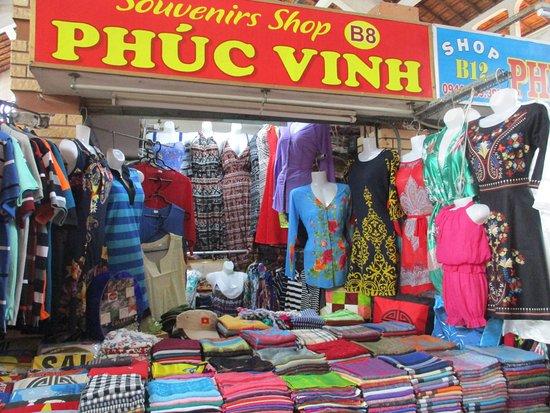 Cantho Market: Photo prise par Guy Lazignac_20590_170209_Ancien marché couvert_Cần Thơ_VN