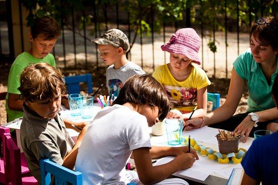 Quarante, France: Kids Club at Château Les Carrasses