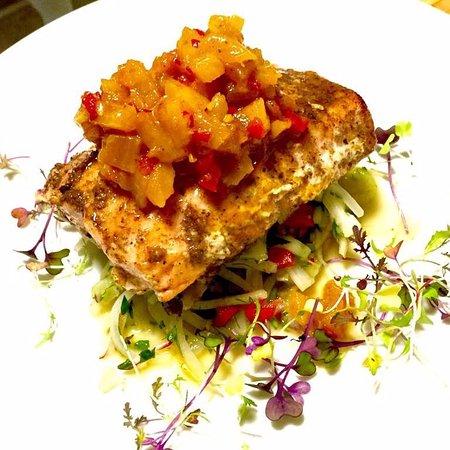 Chestnut Street Inn: Wild Alaskan Salmon with Mango Chutney