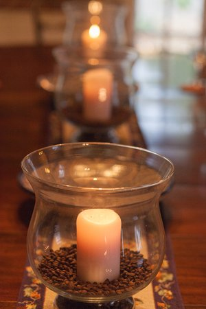 Chestnut Street Inn: Formal Dining Room Candles