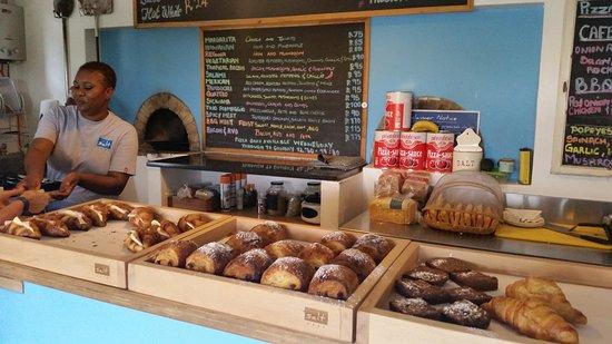 Shaka's Rock, Sudáfrica: Yummy pastries on offer