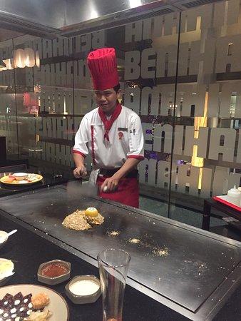 Benihana at Avani Atrium: Restaurante maravilhoso desde o atendimento aos pratos !!! Mt barato comparado ao Brasil .. vale