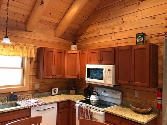 Muddy Moose: Kitchen View of Cabin 5