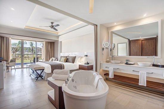 Cap Estate, St. Lucia: Luxury Junior Swimout