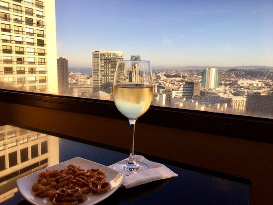 San Francisco Marriott Union Square: Executive Lounge