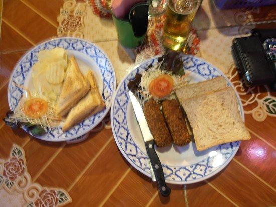 Oriental Garden Chiang Mai: sandwich en kroketten