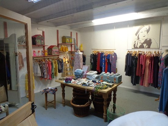 Bathford, UK: New and used clothes/ shoes