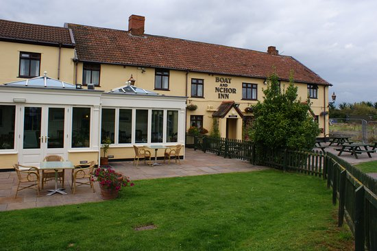 Pictures of The Boat & Anchor Inn - Huntworth Photos