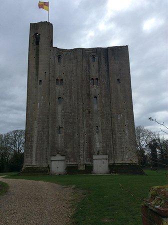 Castle Hedingham, UK : photo2.jpg