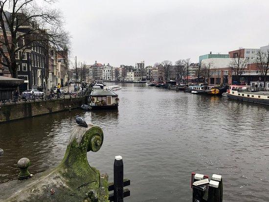 The Amstel: Final del rio AMstel y comienzo de la canalización
