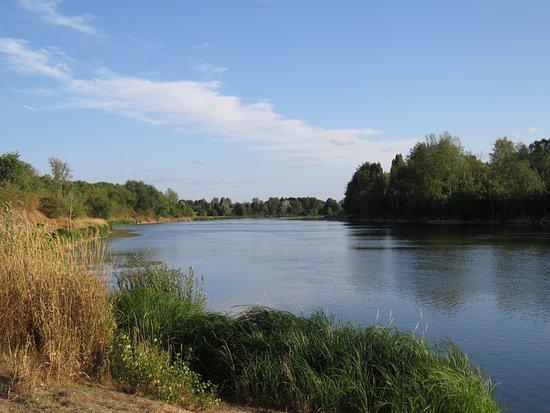 Saint-Dye-sur-Loire, Франция: Fleuve Loire, Saint Dyé sur Loire Loir-et-Cher FRANCE
