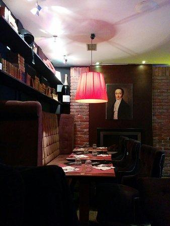 Cafe Leffe Lourdes : Intérieur du restaurant, mars 2017