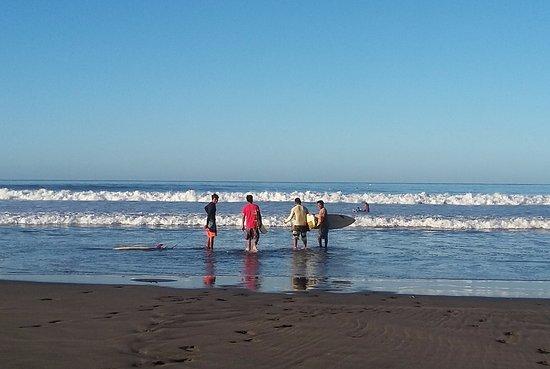 El Viejo, Nikaragua: Local surfers