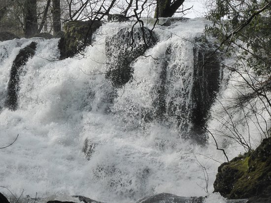 Betws-y-Coed, UK: Swalllow Falls March 2017