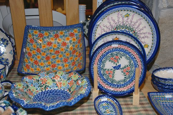 Amherst, MA: Polish Pottery