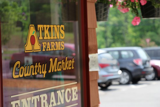 Amherst, MA: Atkins Farms Country Market Entrance