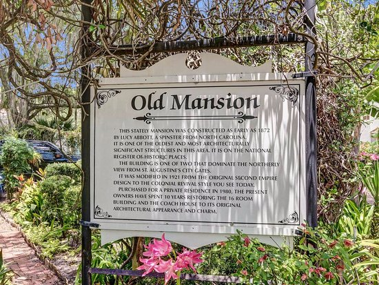 Old Mansion Inn : Main entrance