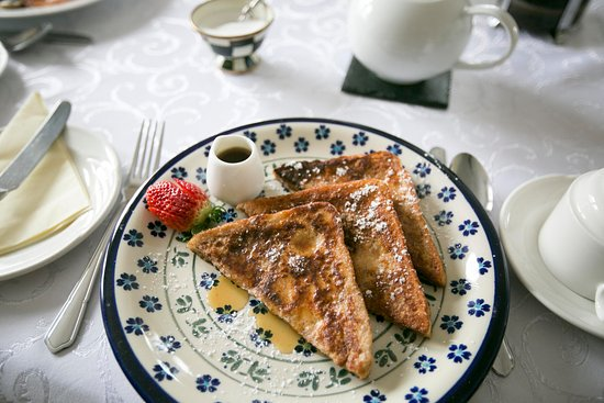 Moloney House: Cinnamon French Toast with Pure Vermont Maple Syrup
