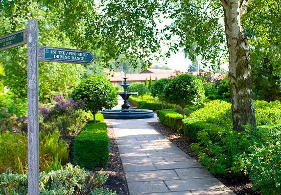 Cobham, UK: Relax at Silvermere, where everyone is welcome