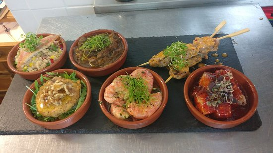 Cheadle, UK: Hummus with pitta, Red Mullet on on citrus cous cous, Pork fillet skewers served with pokey mojo