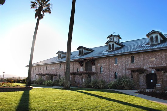 Pleasanton, Californien: Rubino Estates Winery Front