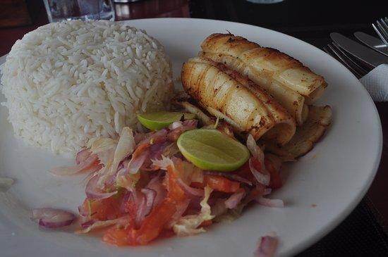 calamari with rice and salad
