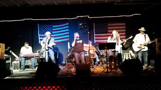 Seymour, IN: Karaoke on Friday nights, Dixie Rose Band on Saturday night