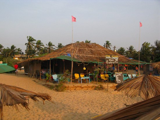 Casa Candolim: one of the nearby beach shacks (Sea and Sand)