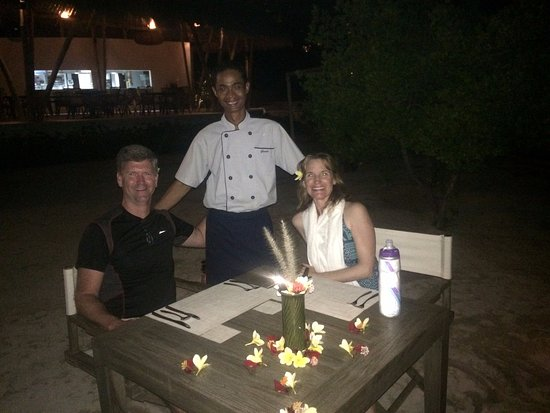 Banyuwedang, Indonesien: Our Executive Chef, Gusty preparing a custom dinner for us on the beach.