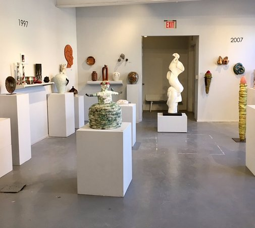 ‪Clay Art Center Gallery‬
