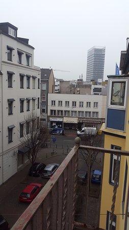 Gaestehaus Grupello: Otel odasındaki balkondan sokağın görünüşü 2