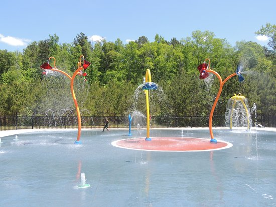 Athens, Τζόρτζια: The Trail Creek Park Splash Pad is open summer months, only.