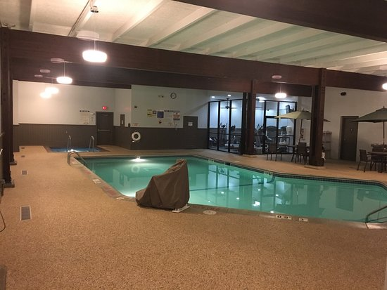 Comfort Inn Plymouth: Gym & pool area