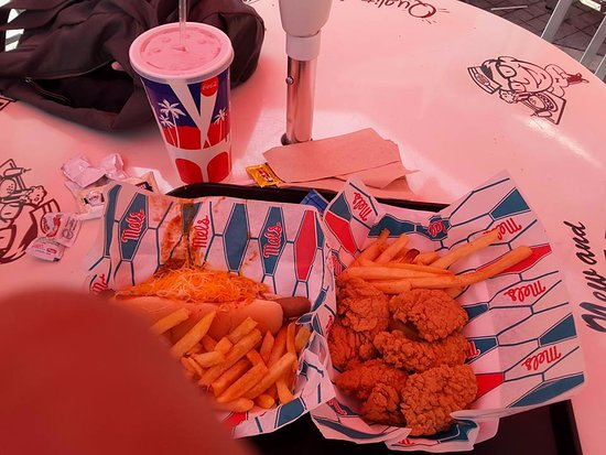 Mel's Diner: Chicken tenders/strips for lunch