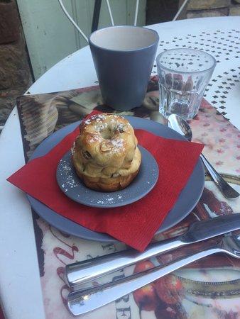 Bed and Kougelhopf: Un bon petit déjeuner en terrasse