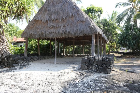 Honaunau, HI: Large hut