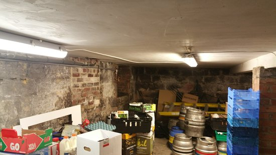 Yeadon, UK: Food storage lovely. Keep up the good work but I wont eat here.