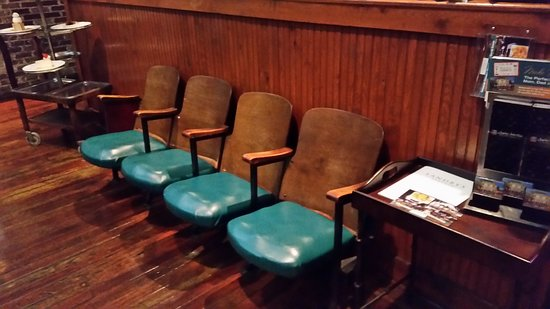 Homewood, AL: Interesting seating in waiting area (front of bar area)