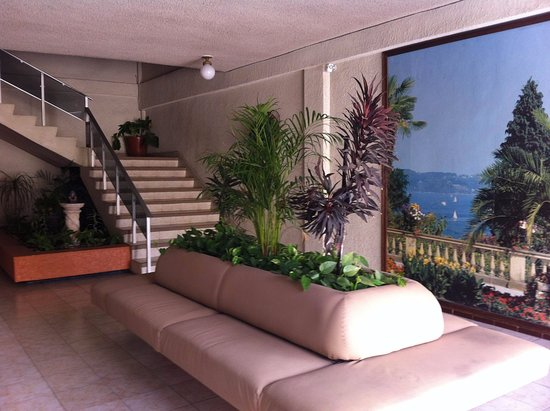 Suites del Sol: Lobby