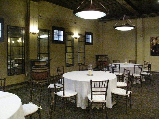 Los Gatos, Californië: Wine Bar 107 - Dining area