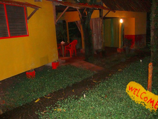 Hospedaje Yellow House