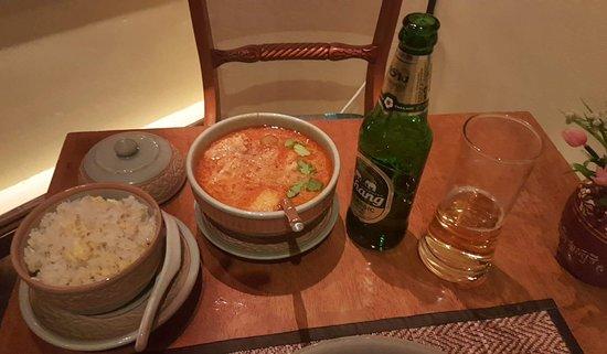 Menu Thai: Chicken Massaman Curry & Egg Fried Rice