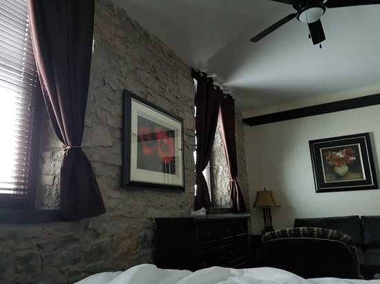 Stone Mill Inn: 20161217_091354_large.jpg