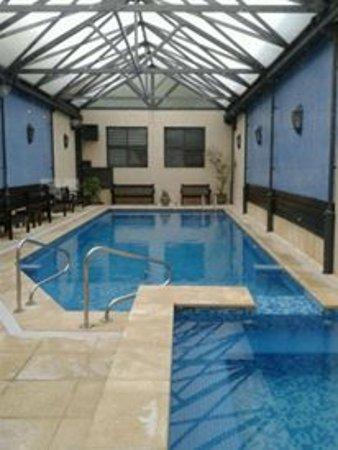 Hotel Leoncia : la piscina es hermosa !!!