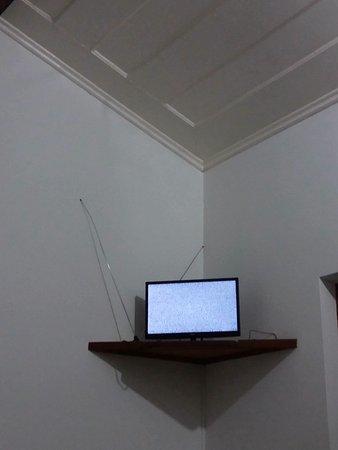 Pousada Valhacouto: 5 MINUTOS DE TV SEM SINAL