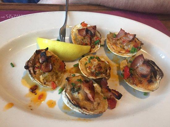 Lavallette, NJ: The Crab's Claw Inn