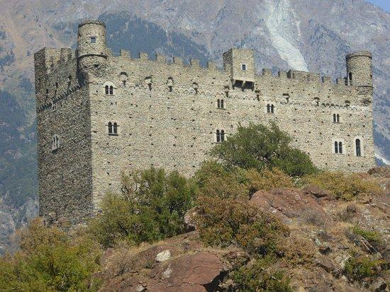 Castle Ussel - Foto di Castello di Ussel, Chatillon - Tripadvisor