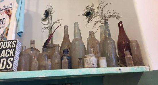 Silverton, Colorado: Old bottle display
