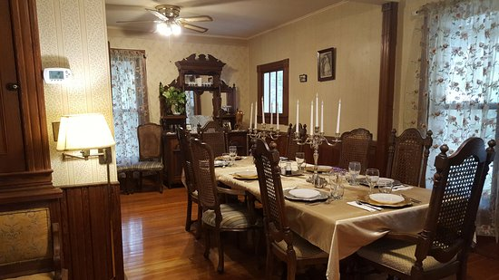 Lake Helen, FL: Gorgeous Dining room/ breakfast area